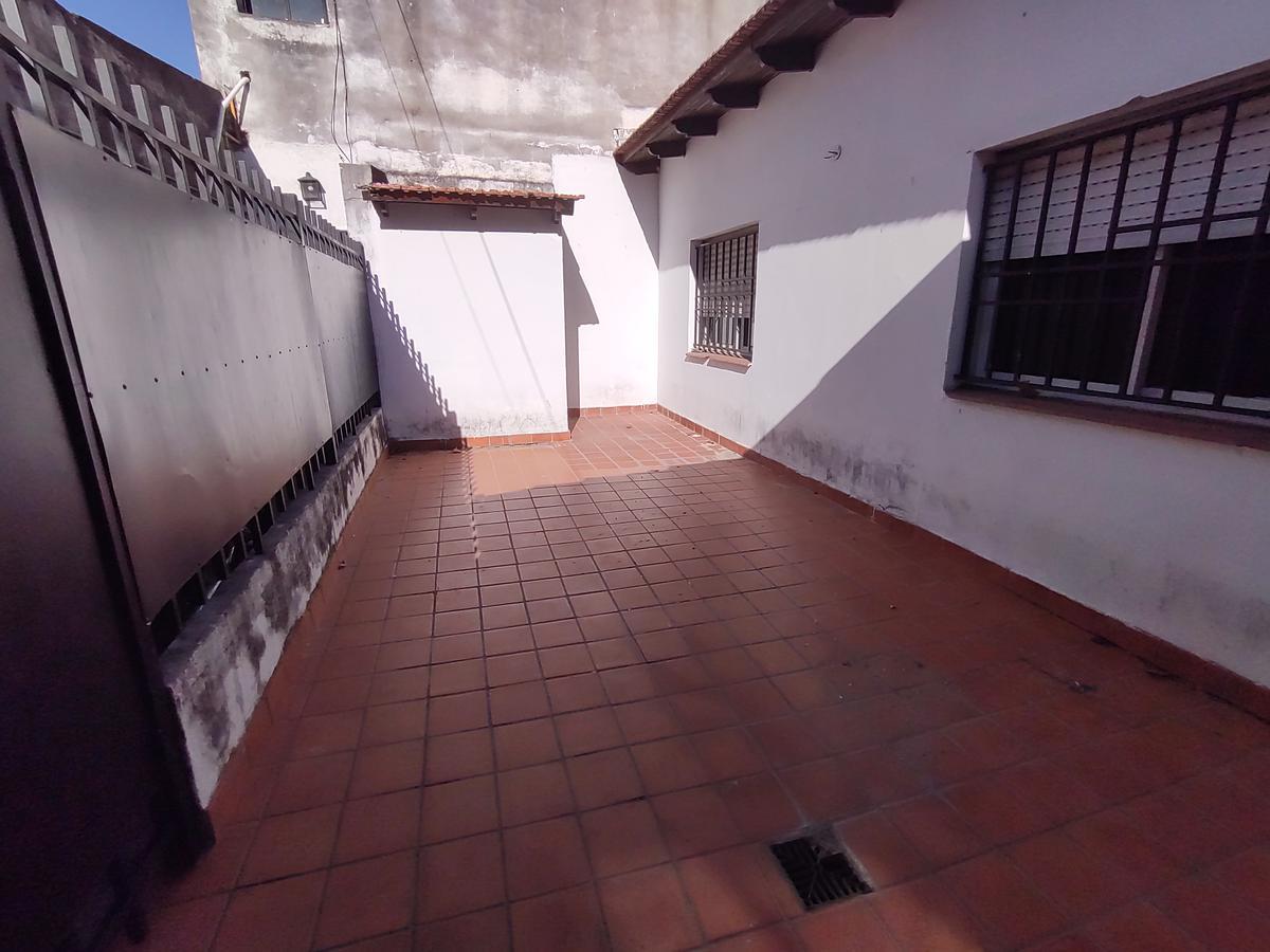 Foto Casa en Venta en  Rosario ,  Santa Fe  MORENO 2677