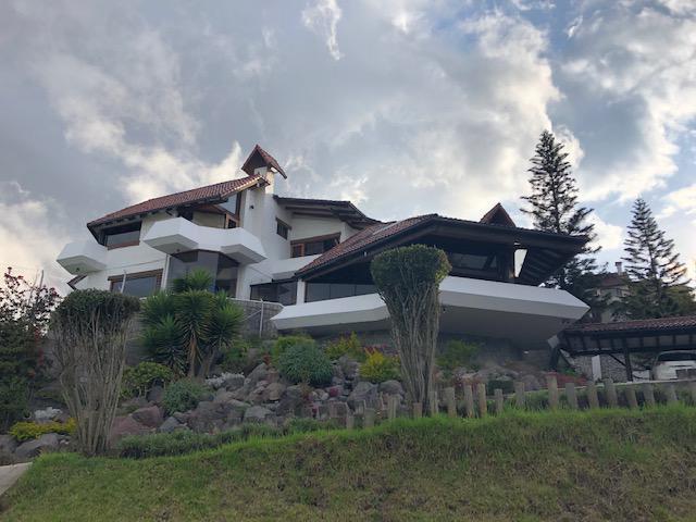 Foto Casa en Alquiler en  Centro Norte,  Quito  Amplia casa de lujo en Campo Alegre