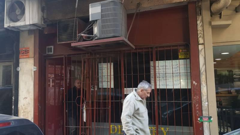 Foto Local en Alquiler en  Monserrat,  Centro (Capital Federal)  Moreno  al 1200