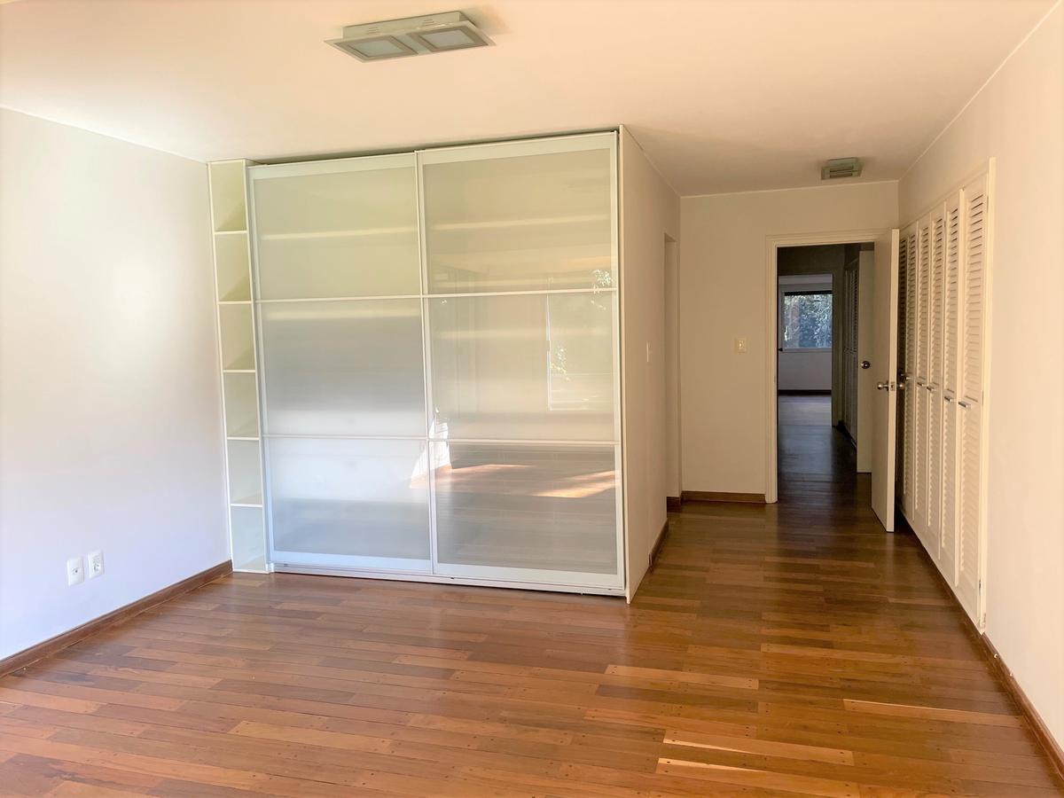 Foto Apartamento en Alquiler en  Carrasco ,  Montevideo  Espectacular planta en carrasco sur