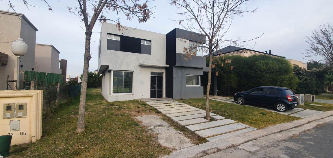 Foto Casa en Venta en  Las Acacias,  Berazategui  Acacias 66