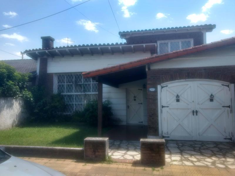 Foto Casa en Alquiler en  Castelar Sur,  Castelar  Rosario al 2000