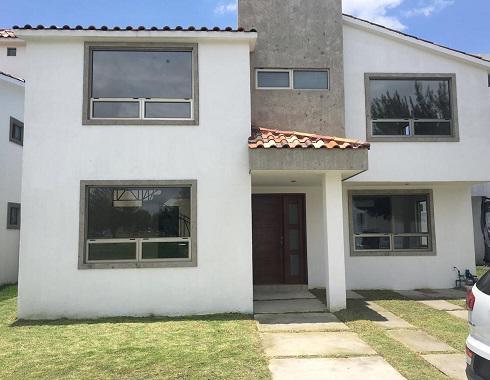 Foto Casa en condominio en Renta en  Metepec ,  Edo. de México  Casa NUEVA EN RENTA, Condado del Valle, Metepec, Estado de México