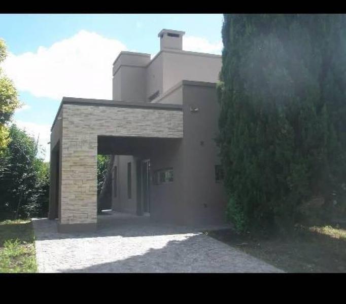 Foto Casa en Alquiler en  Santa Maria,  Countries/B.Cerrado  Av. de los Inmigrantes  al 2000