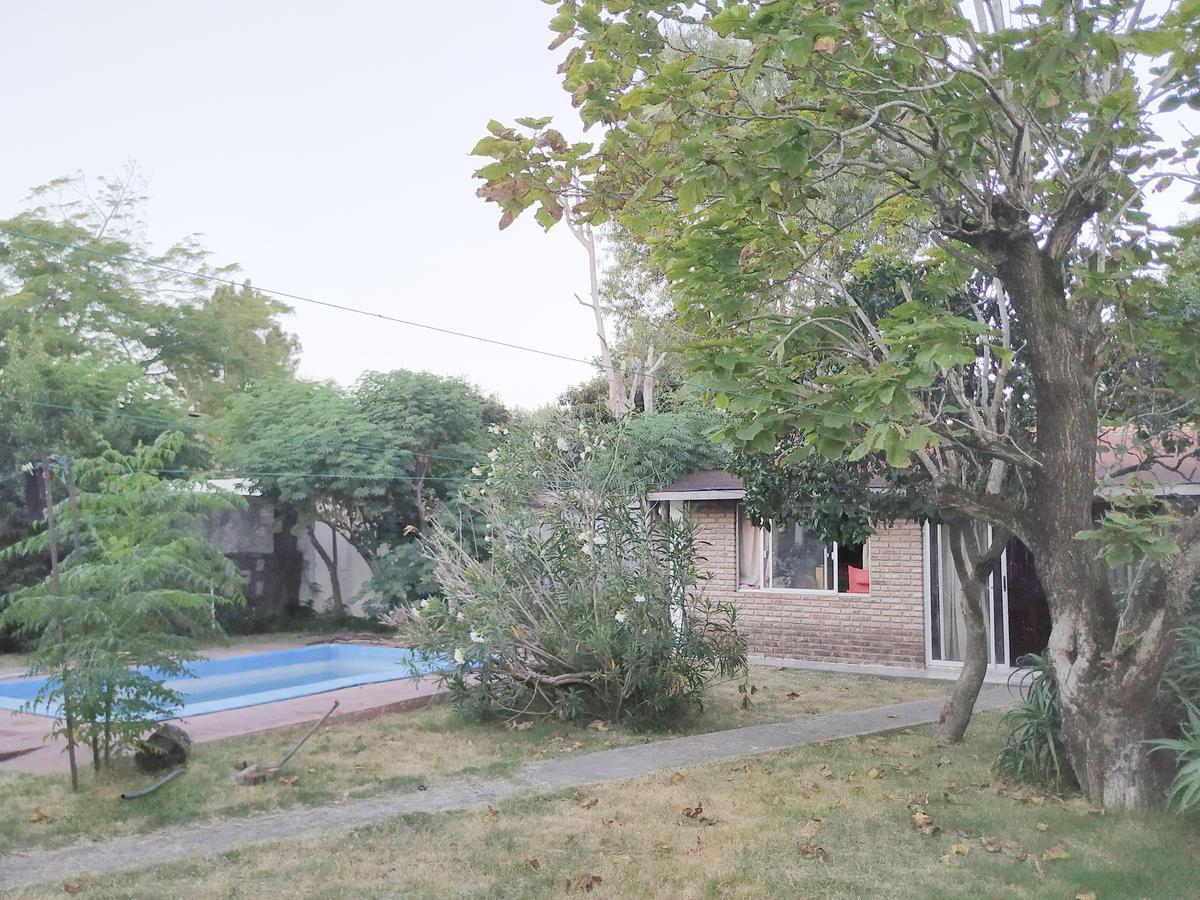 Foto Casa en Venta en  Carrasco ,  Montevideo  Próximo a Mxmo. Tajes