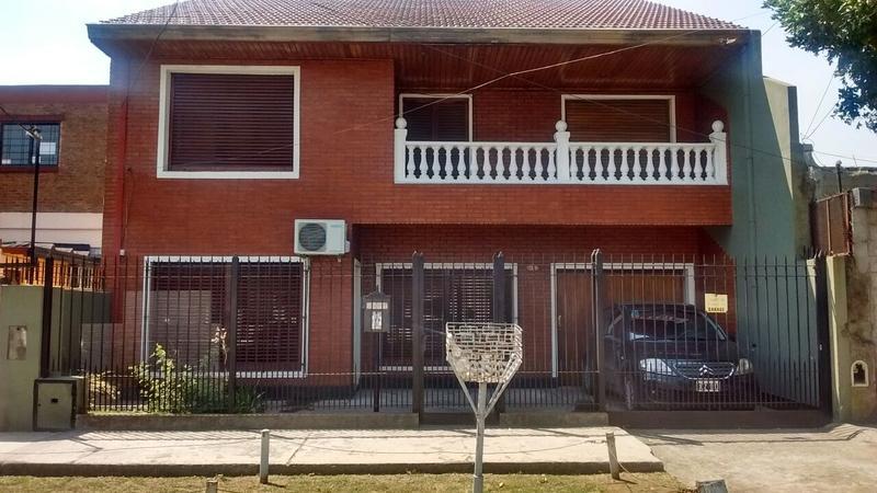 casa en venta 14 de julio