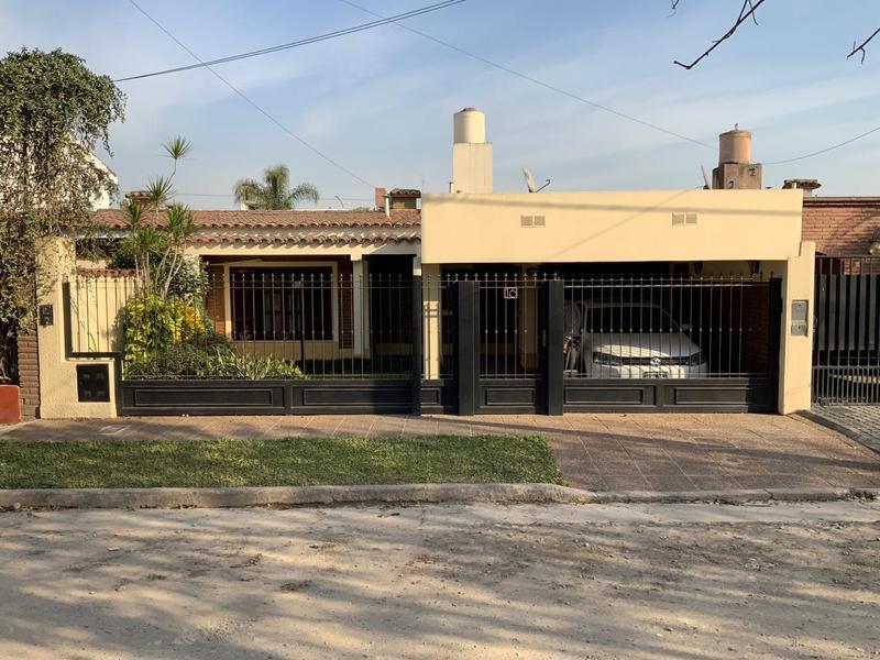 Foto Casa en Venta en  Yerba Buena ,  Tucumán  Pasaje General Savio 16