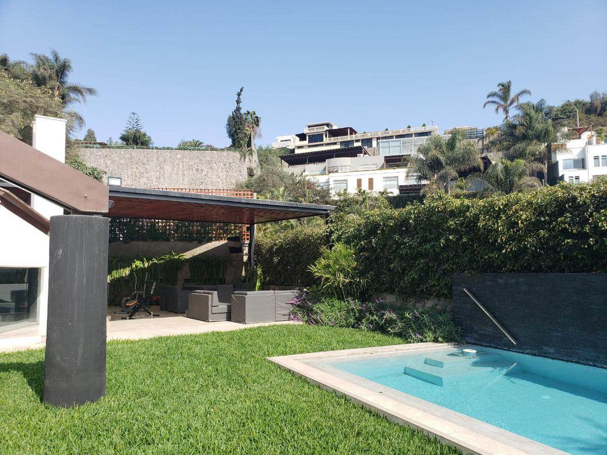 Foto Casa en Venta en  Santiago de Surco,  Lima  CALLE LAS TIPAS 2XX