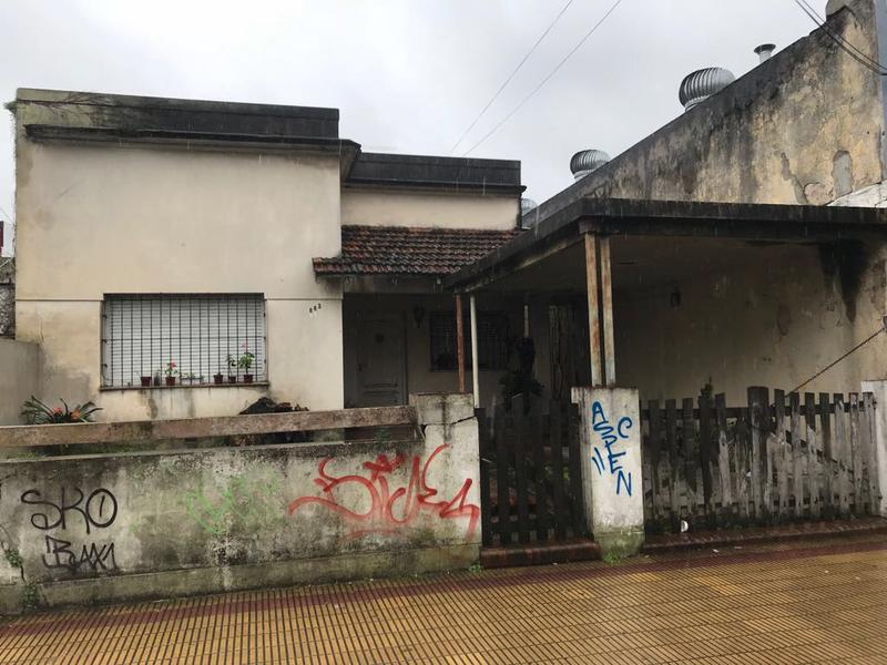 Foto Terreno en Venta en  Lomas de Zamora Oeste,  Lomas De Zamora  Boedo 663