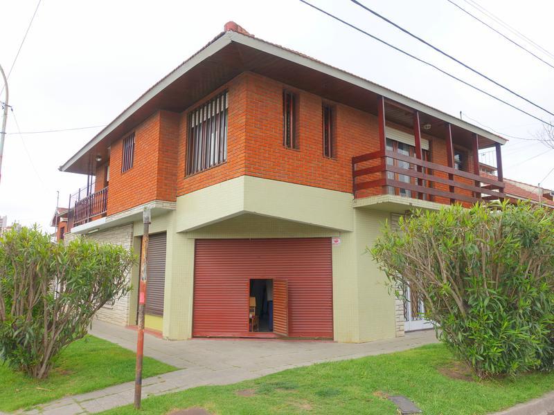 Foto Casa en Venta en  Pinos De Anchorena,  Mar Del Plata  Roca esquina La Pampa