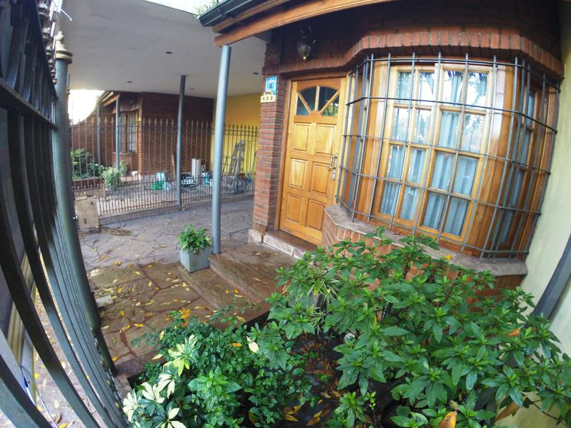 Foto PH en Venta en  Banfield Oeste,  Banfield  ARAOZ 469