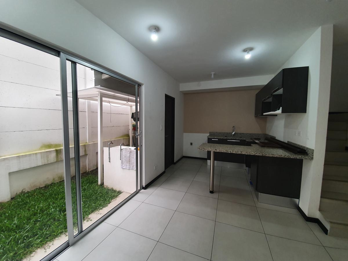 Foto Casa en condominio en Venta en  Tibas ,  San José  Tibas/ Moderna/ Iluminada / Amplia / Jardín