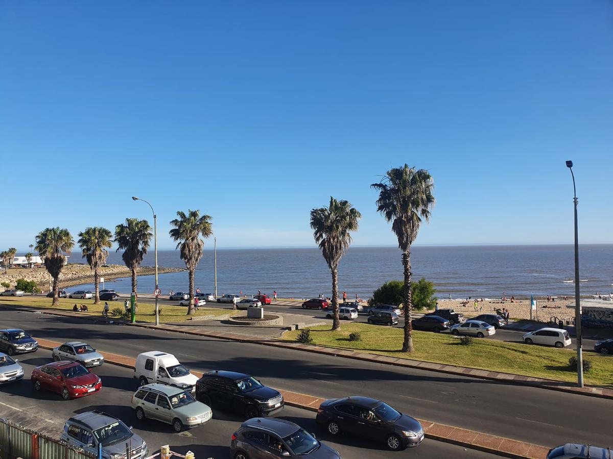 Foto Departamento en Venta en  Pocitos Nuevo ,  Montevideo  Rambla Republica del Perú esq Buxareo, 193 m2 , gge x2 !!