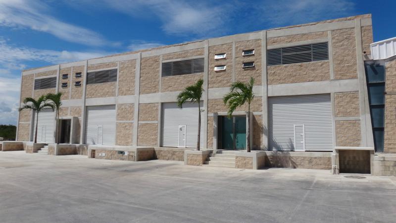 Foto Bodega Industrial en Renta en  Cancún Centro,  Cancún   Bodegas  Antihuracan en Renta