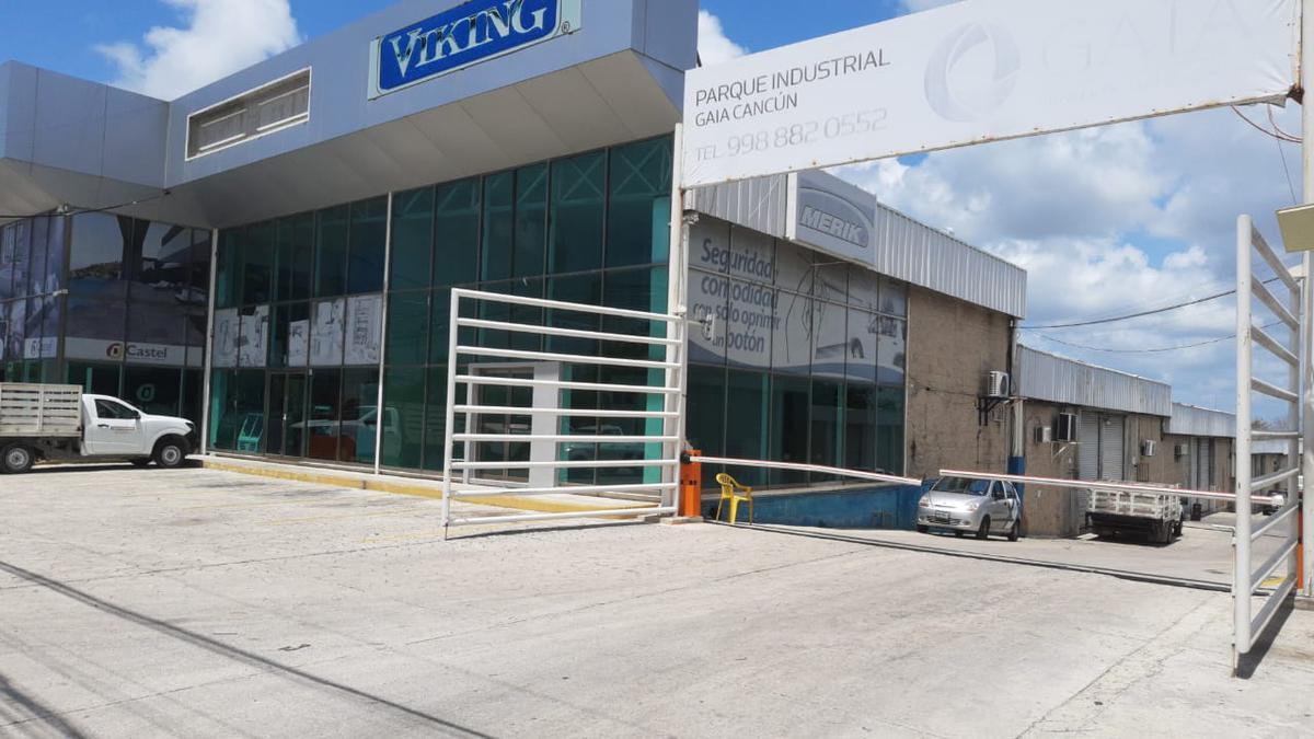 Foto Local en Renta en  Alfredo V Bonfil,  Cancún  LOCAL CON BODEGA EN RENTA DE 417 M2 EN CANCUN EN AVE. COLOSIO