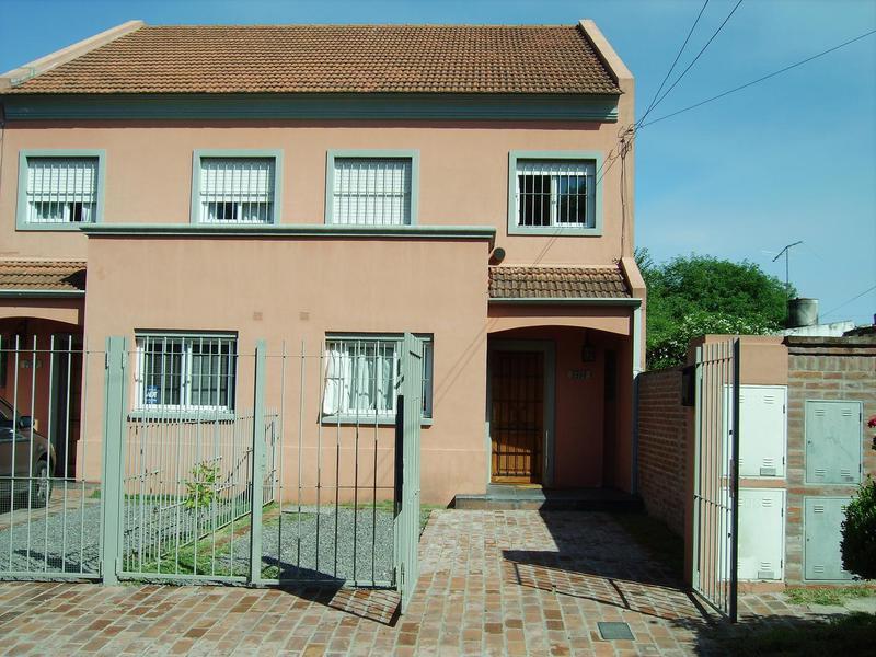 Foto Casa en Alquiler en  Mart.-Fleming/Panam.,  Martinez  Ezpeleta