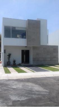 Foto Casa en condominio en Venta en  San Miguel Zinacantepec,  Zinacantepec  Venta de Casa Nueva en Bosques 2 Residencial, Zinacantepec