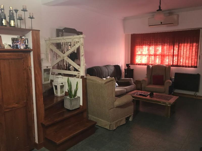 Foto Casa en Venta en  Adrogue,  Almirante Brown  Soler 950