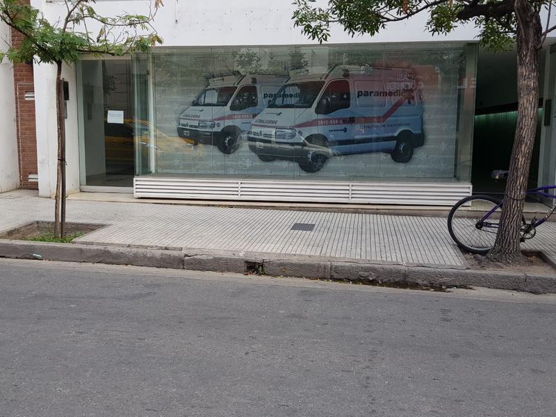 Foto Local en Alquiler en  Nueva Cordoba,  Capital  Obispo Trejo 600