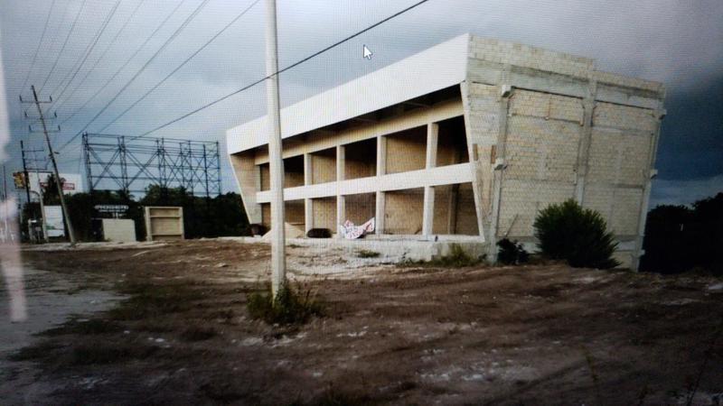 Foto Local en Venta en  Alfredo V Bonfil,  Cancún  LOCALES EN VENTA EN CANCUN EN AVENIDA COLOSIO