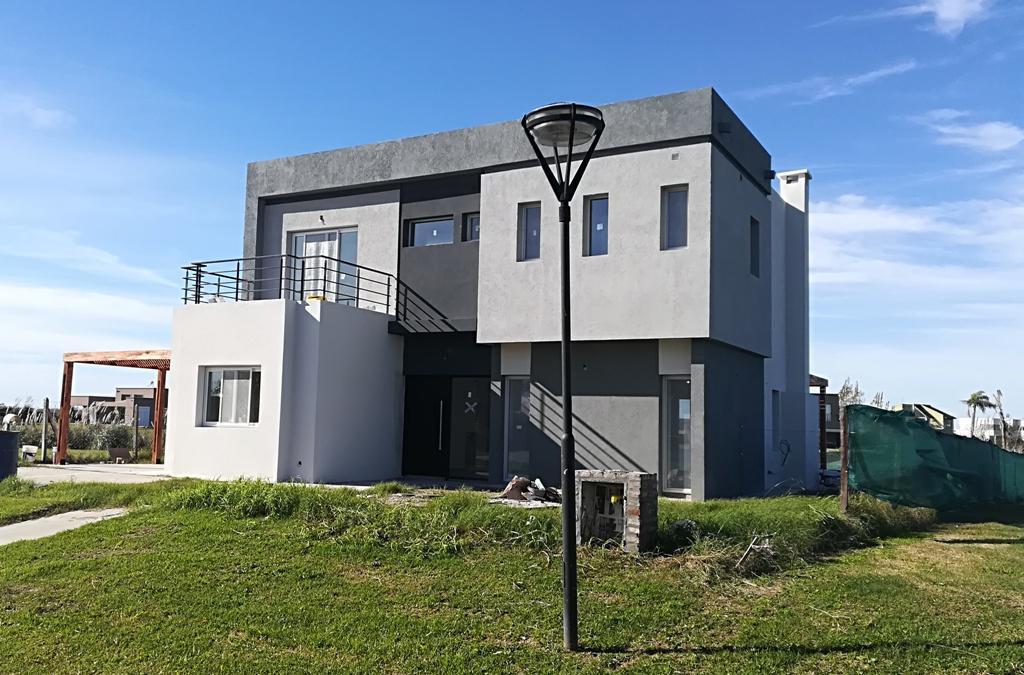 Foto Casa en Venta    en  El Canton - Norte,  Countries/B.Cerrado  Lote 600