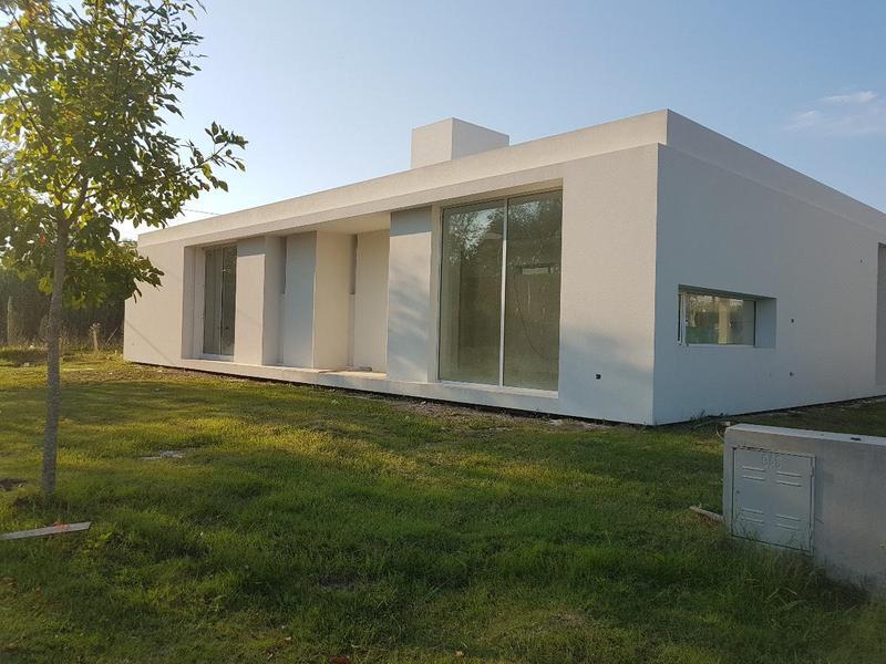 Foto Casa en Venta en  Los Hornos,  La Plata  137 y 90