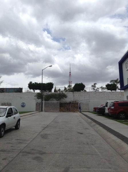 Foto Departamento en Venta en  Cerrito de Jerez,  León  Departamento en VENTA Cerrito de Jerez en planta baja, 2 recámaras, cochera automática, súper precio!!!