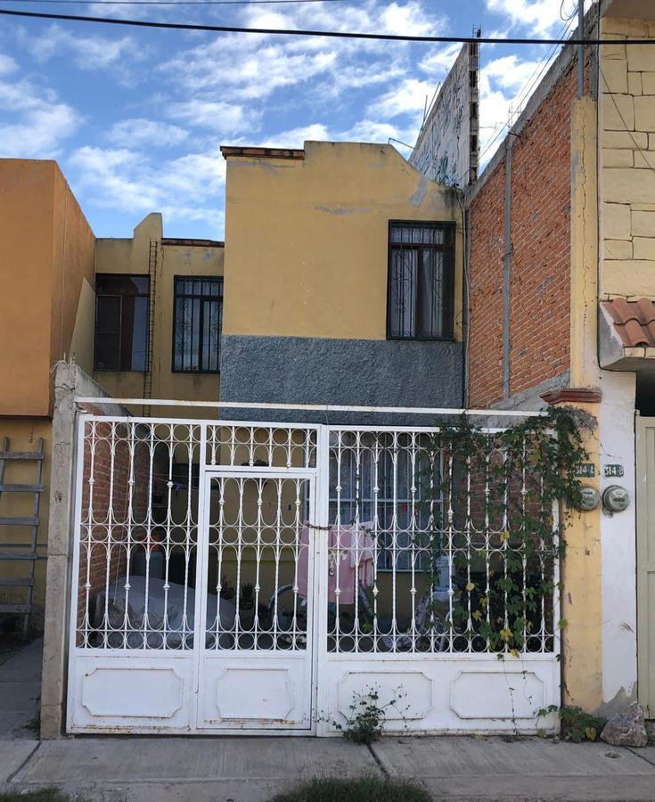 Foto Casa en Venta en  Conjunto del Real,  Soledad de Graciano Sánchez  CASA EN VENTA CERCA A CARRETERA RIO VERDE