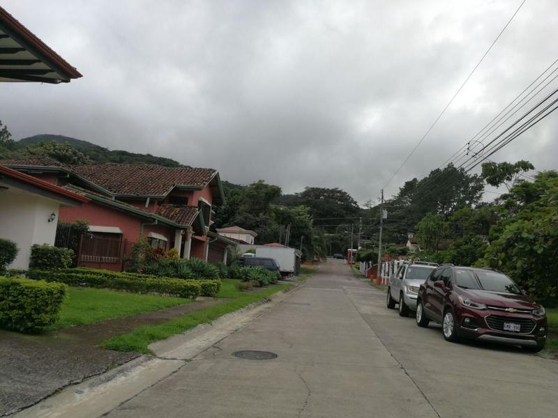 Foto Terreno en Venta en  Piedades,  Santa Ana  Terreno en Piedades / Residencial / Plano / Seguridad 24/7