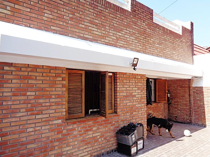 Foto Casa en Venta en  Villa Adelina,  San Isidro  Boedo al 1600