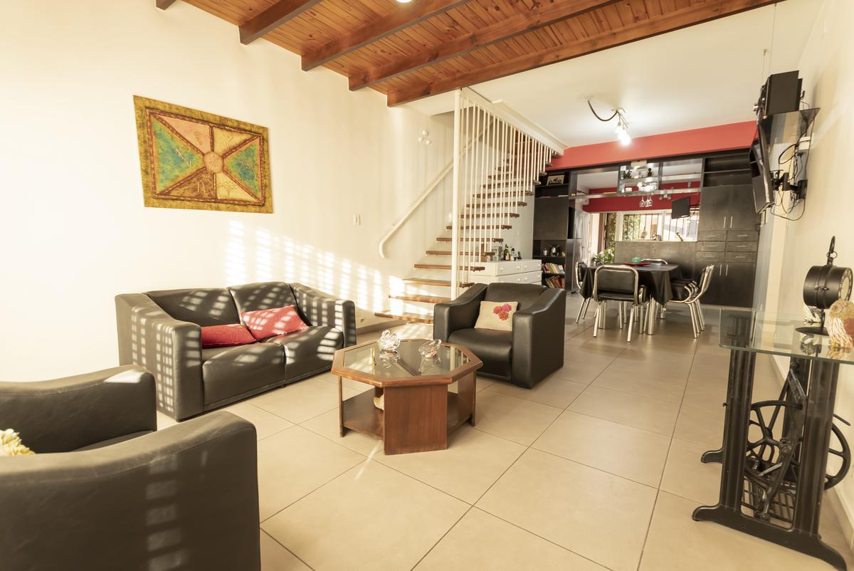 Foto Casa en Venta en  Valentin Alsina,  Lanús  JUAN FARREL al 1500