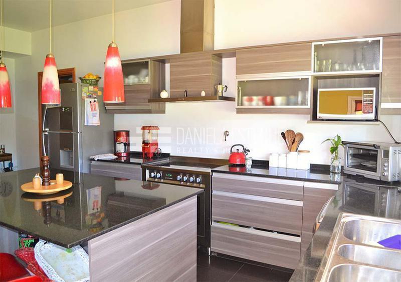 Foto Casa en Venta en  La Peregrina,  Countries/B.Cerrado (Pilar)  San Mateo y Comodoro Rivadavia