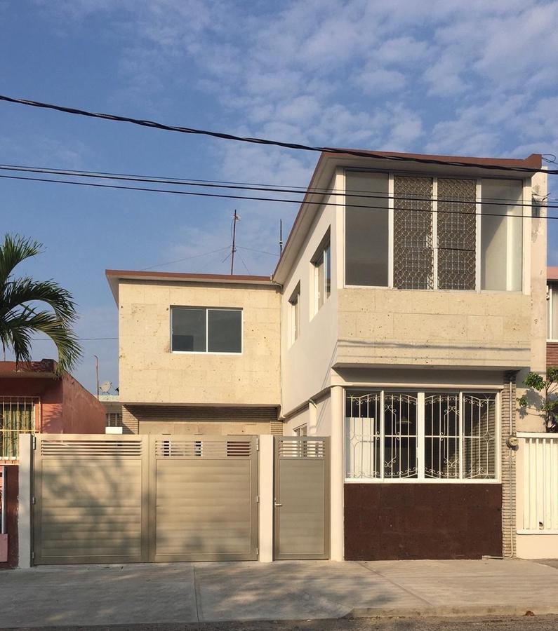 Foto Casa en Renta en  Reforma,  Veracruz  FRACC. REFORMA, Casa en RENTA con recámara en planta baja y patio