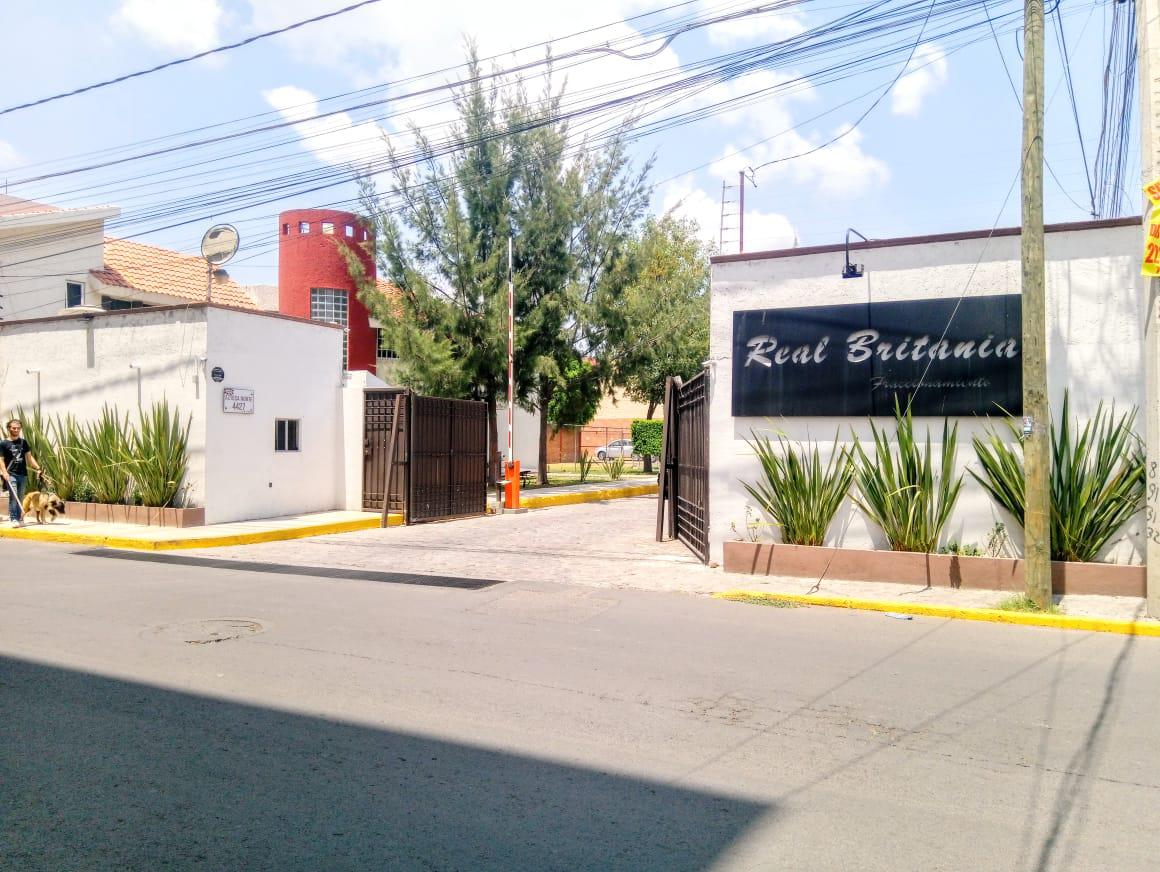 Foto Terreno en Venta en  Fraccionamiento Real Britania,  San Pedro Cholula  TERRENO EN VENTA EN FRAC. REAL BRITANIA, CALLE IRLANDA, MZA 3 LOTE 5