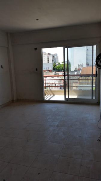 Foto Departamento en Venta en  Villa Luro ,  Capital Federal  Av. Rivadavia 9685 9º D
