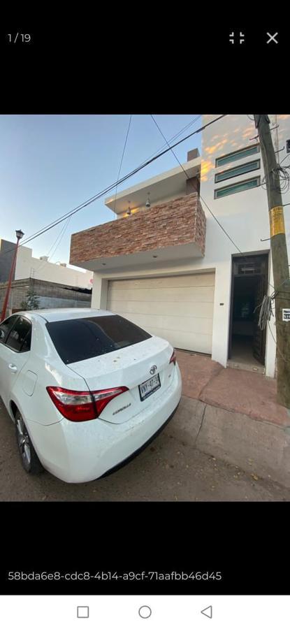 Foto Casa en Venta en  10 de Abril,  Culiacán  Meridiano #3299 Fracc. Santa Elena