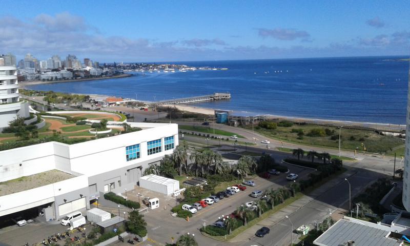 Foto Departamento en Venta en  Playa Mansa,  Punta del Este  A 100 metros de la playa