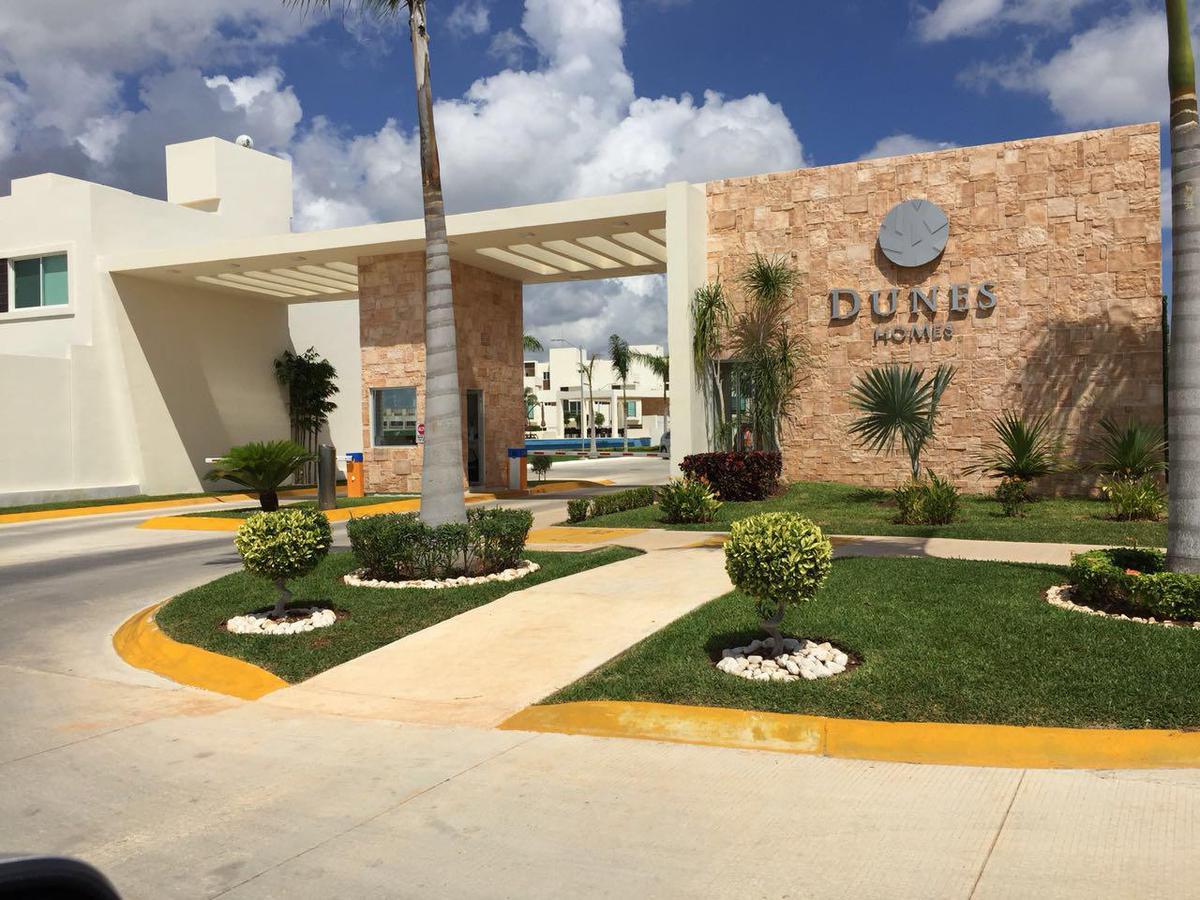 Foto Casa en Venta | Renta en  Supermanzana 329,  Cancún  CASA EN VENTA/RENTA EN AVENIDA HUAYACÁN EN RESIDENCIAL LONG ISLAND EN PRIV. DUNES