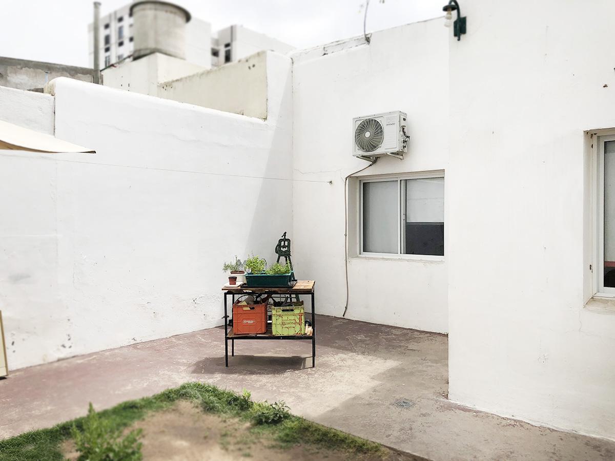 Foto Casa en Venta en  Bahia Blanca ,  Interior Buenos Aires  25 de mayo al 200