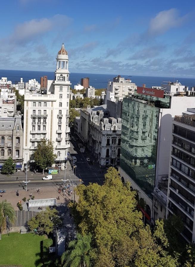 Foto Terreno en Venta en  Centro (Montevideo),  Montevideo      Centro - ZONA VIS - Terreno de 450 m2 con 27 m de Altura