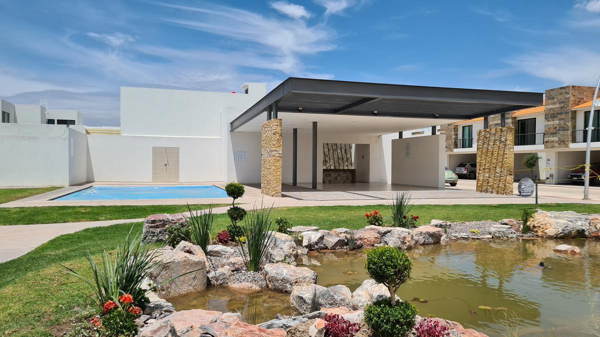 Foto Casa en Renta en  Villa de Pozos,  San Luis Potosí  Renta casa amueblada privada Bari en Residencial Catara