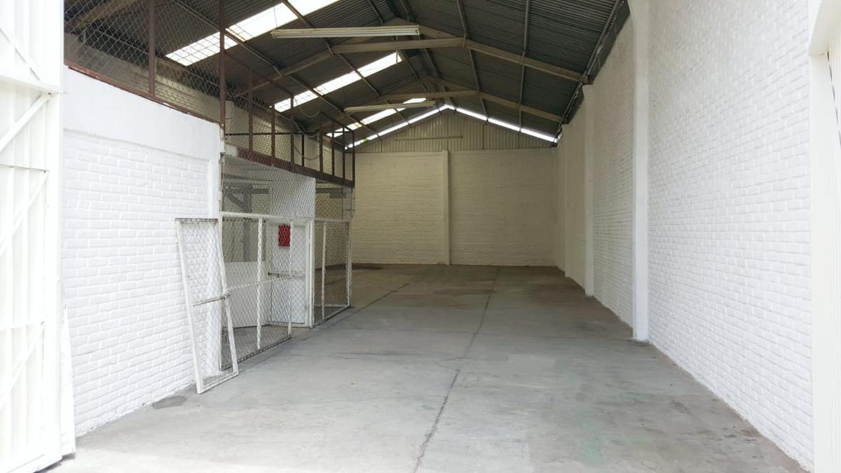 Foto Bodega Industrial en Renta en  Satélite,  Cuernavaca  Bodega Renta Col. Satélite Cuernavaca