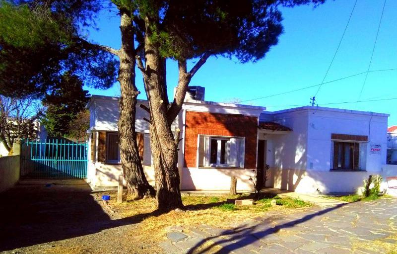 Foto Casa en Venta en  Trelew ,  Chubut  Chile al 300