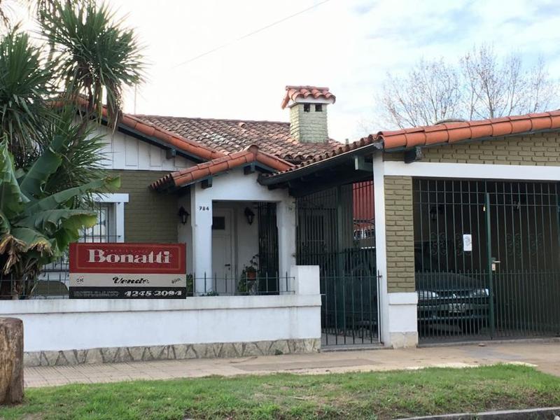 Foto Casa en Venta en  Temperley Este,  Temperley  JUNCAL 784 e/ Zuviria y La Huerta