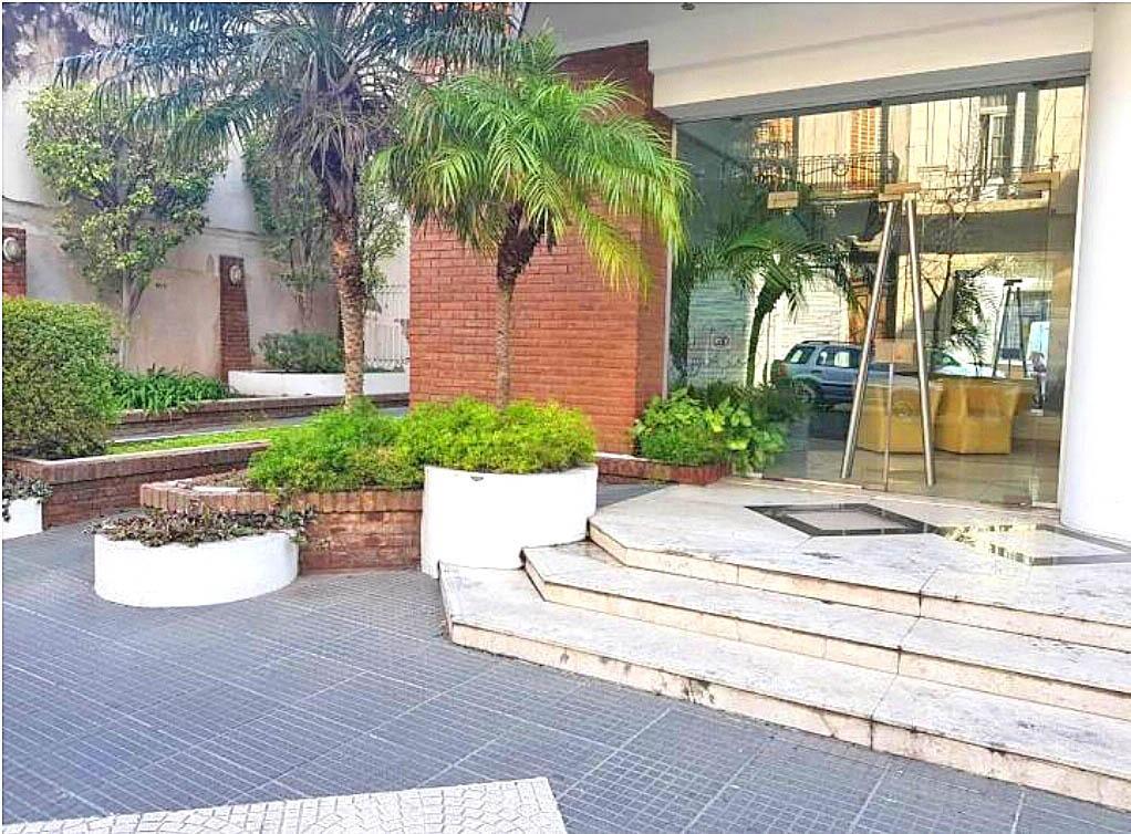 Foto Departamento en Venta en  San Cristobal ,  Capital Federal  Sarandi al 800