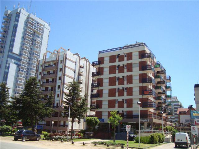Foto Departamento en Alquiler en  Centro,  Pinamar  Av. bunge n° 759