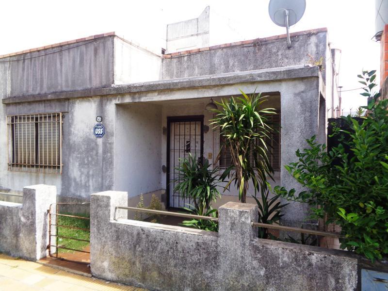 Foto Casa en Venta en  Villa Adelina,  San Isidro  El Indio al 2400