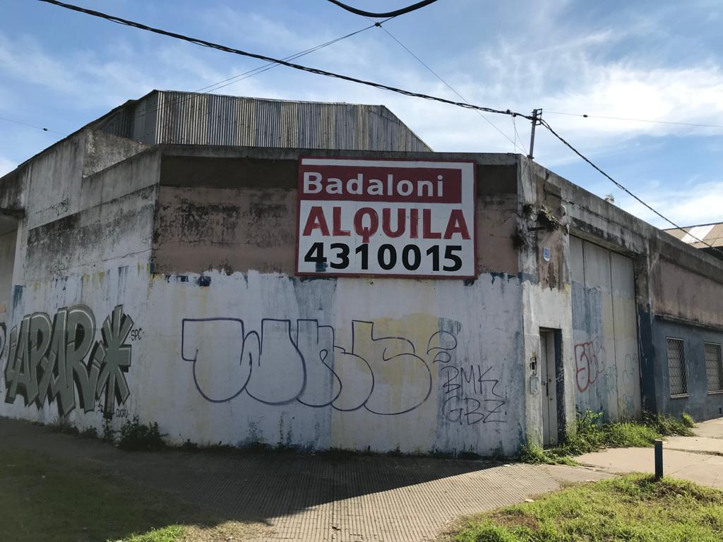 Foto Galpón en Alquiler en  Rosario,  Rosario  Colón 2696