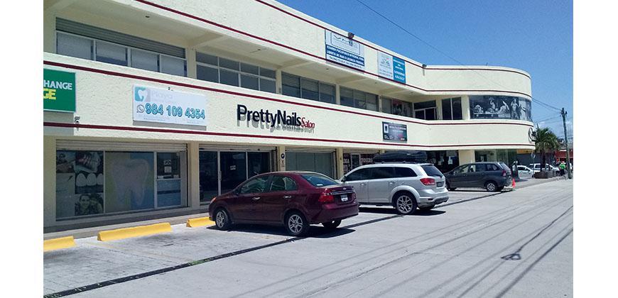 Foto Local en Renta en  Solidaridad ,  Quintana Roo  Local 12  De 48 m2 En Plaza Constituyentes Playa Del Carmen