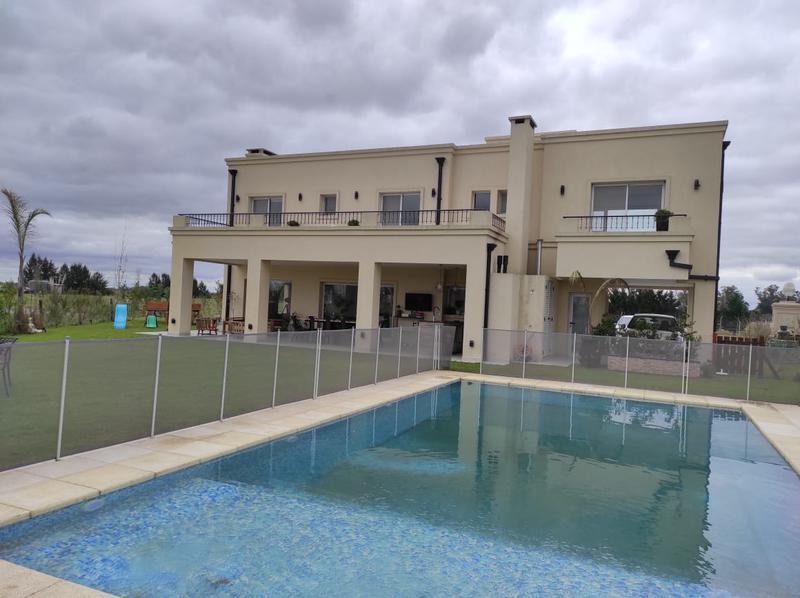 Foto Casa en Venta en  Barrio Lagos de San Eliseo,  Countries/B.Cerrado (San Vicente)  Venta- Casa en Lagos de San Eliseo A LA LAGUNA
